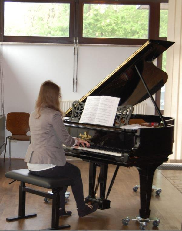 Nicole Barnert