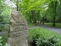 Steinway-Gedenkstein im Steinway-Park